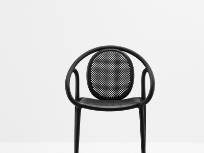 Metaal en plastic stoelen