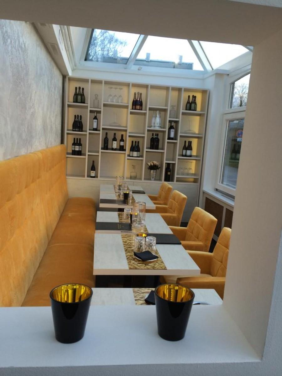 donald square capitons lounge en banken p m furniture horeca meubilair op maat en interieurs. Black Bedroom Furniture Sets. Home Design Ideas
