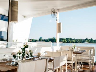 Yacht, Bucharest